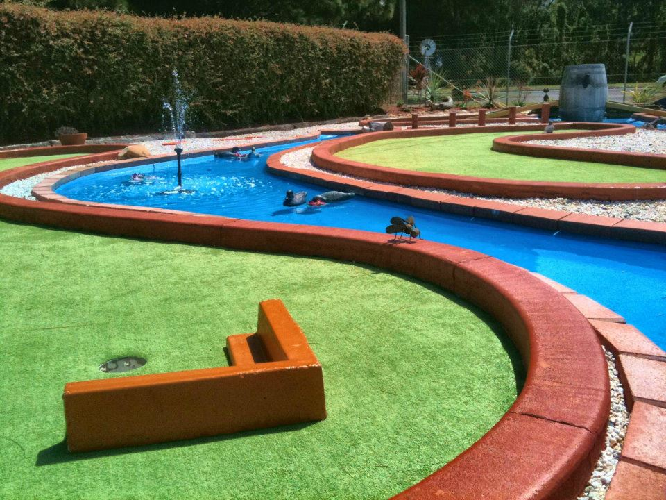 18th Hole at Crazy Putt with Water Hazard